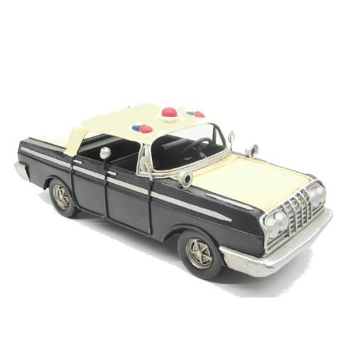 vieille voiture de police